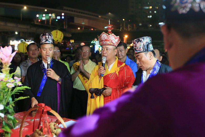 鬼有集體和個體之分。農曆七月民間舉行中元普渡所祭拜的「好兄弟」,是集體的鬼。 圖...