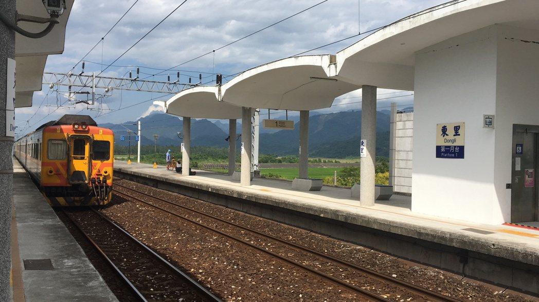 東里車站為三等站,停靠的車班不多,主要車種以區間車、普快車為主。記者徐庭陽/攝影