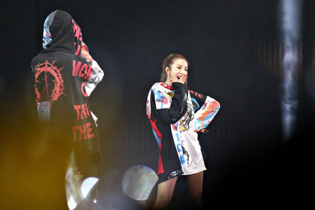 G-Dragon 17日在吉隆坡開唱,師妹Dara擔任嘉賓。圖/IME提供