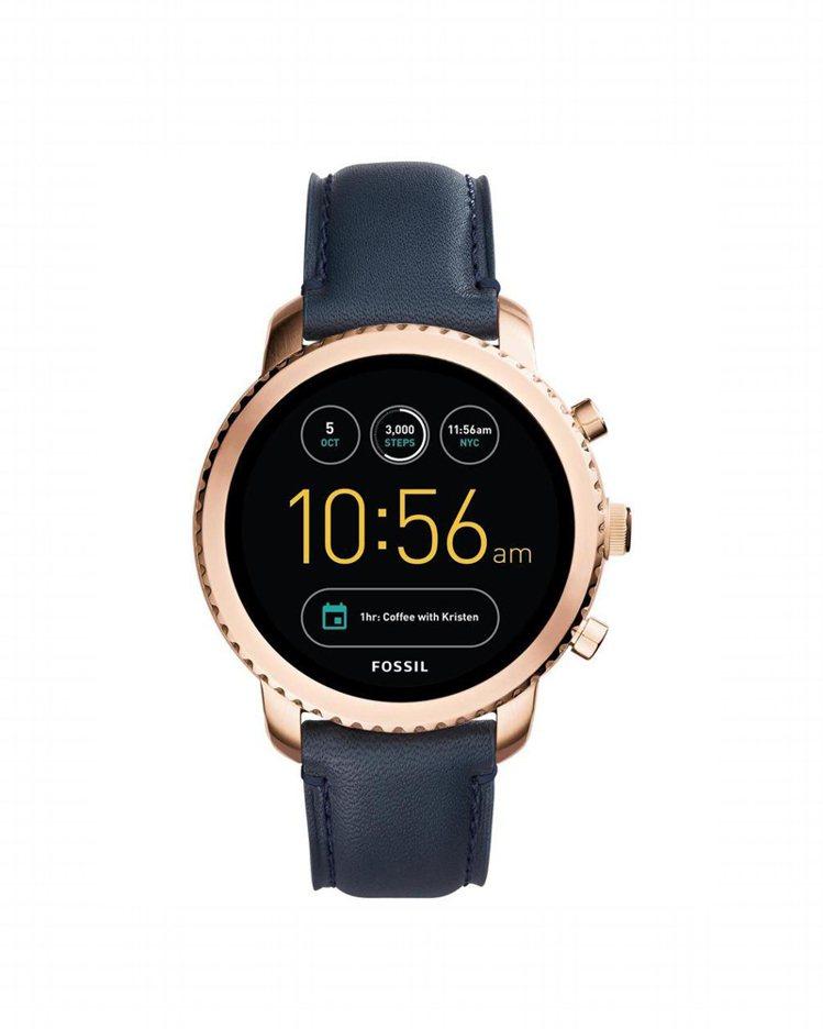 Q Explorist觸控式螢幕智慧型腕表,搭配海軍藍皮革表帶,約10,500元...