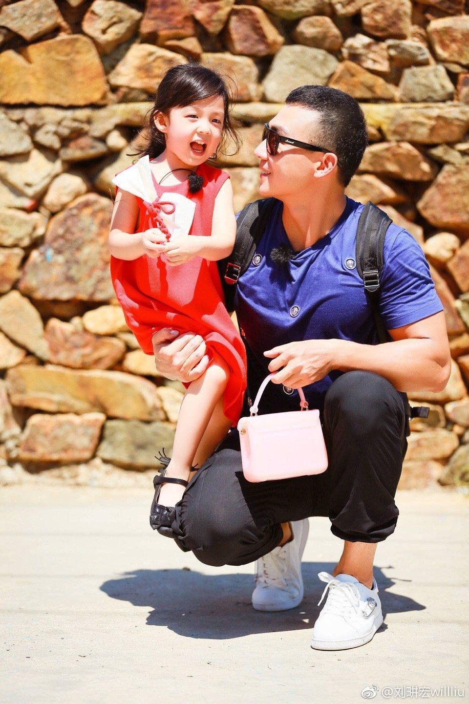 劉畊宏帶著女兒小泡芙參加真人秀演出。 圖/擷自劉畊宏微博