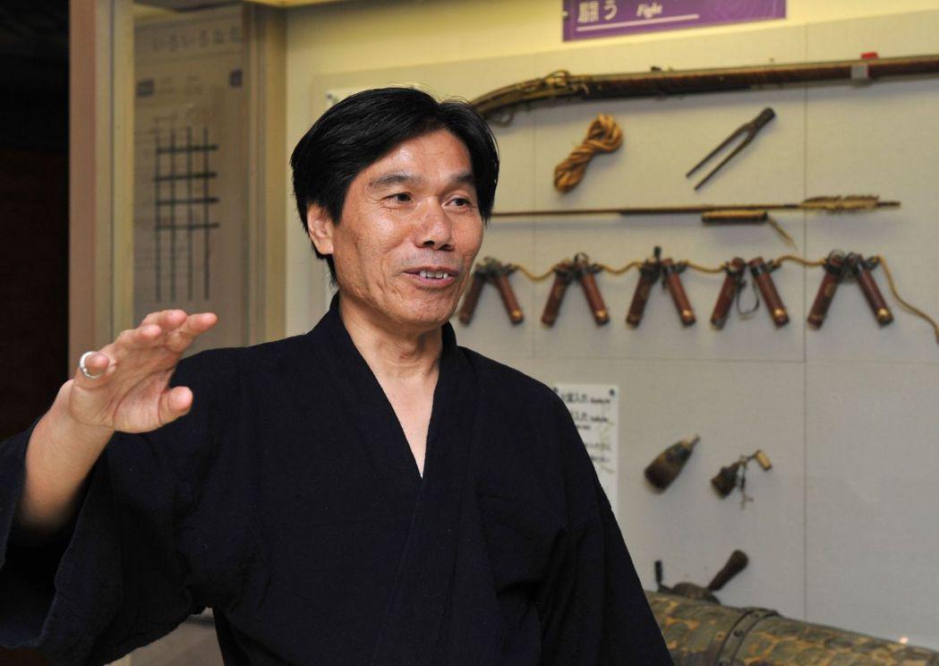 現在日本公認僅存的忍者、有「最後的忍者」之稱的川上仁一,以特聘教授的身分,於三重...