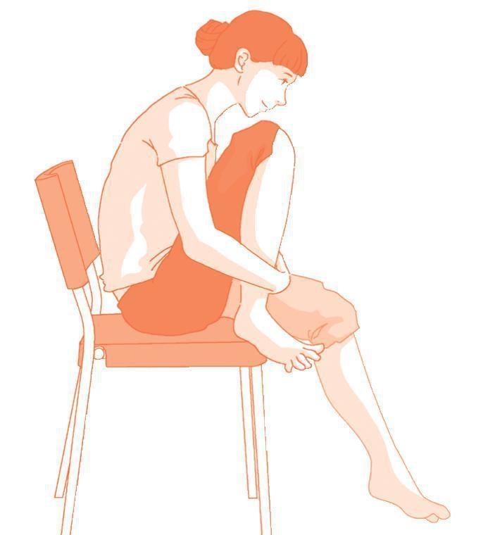 抱膝運動 圖片提供/【自己的膝蓋自己救】時報出版