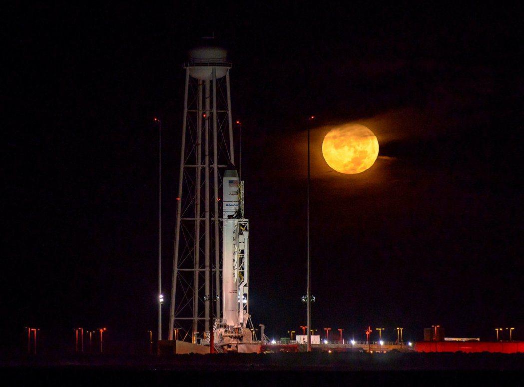 Orbital ATK的Antares火箭在2016年曾載送「天鵝座」(Cygn...
