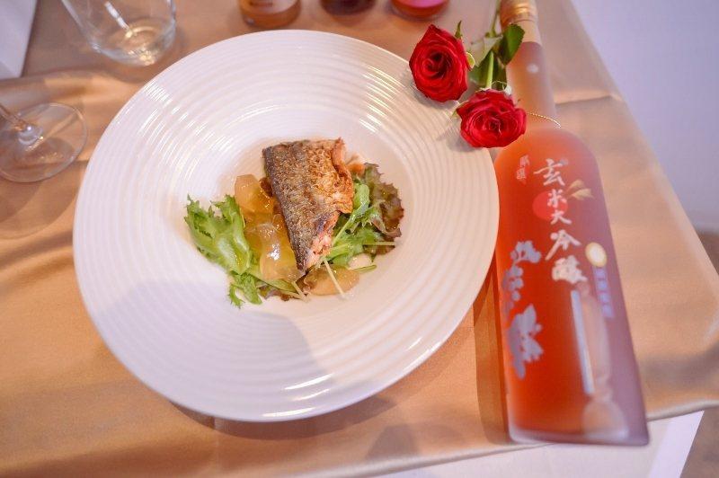 清甜藍莓鯖魚愛玉沙拉(鯖魚、愛玉、清甜藍莓果醋、源鮮綜合生菜、小番茄、澳根尼橄欖...