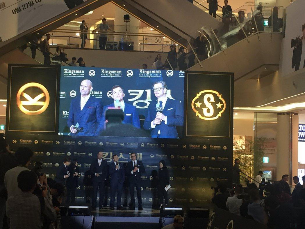 馬克史壯(左起)、泰隆艾格頓及柯林佛斯。記者陳建嘉/攝影