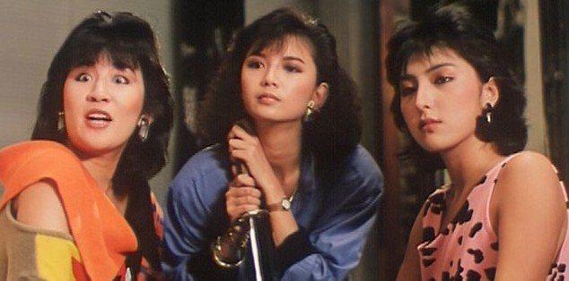 吳君如(左起)、曾華倩、上山詩鈉一起客串電影「小生驚驚」。圖/摘自HKMDB