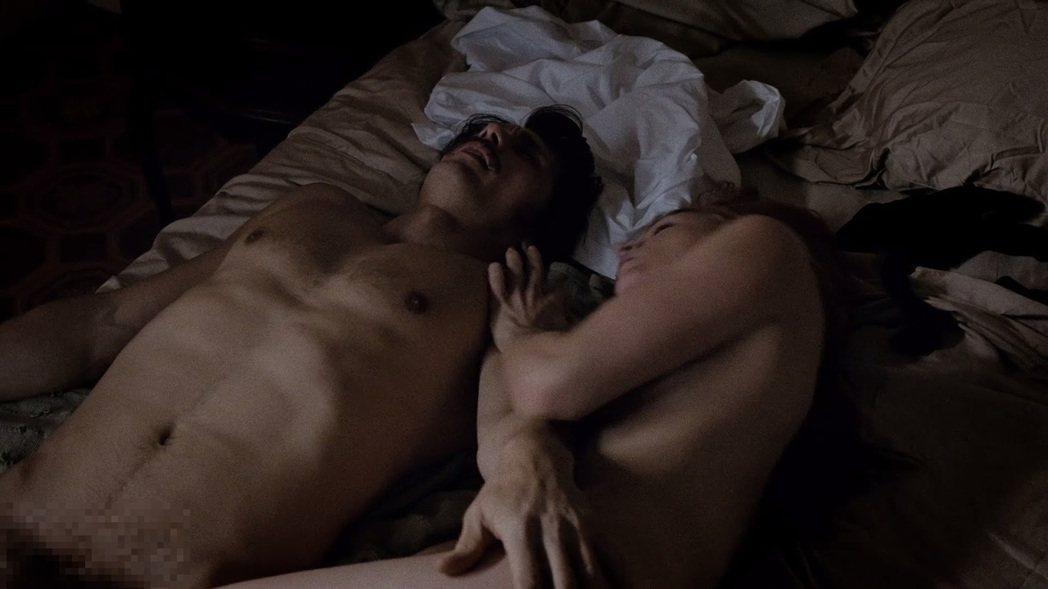 詹姆斯法蘭柯在HBO新影集「The Deuce」中,第一集就大膽裸露。圖/翻攝自