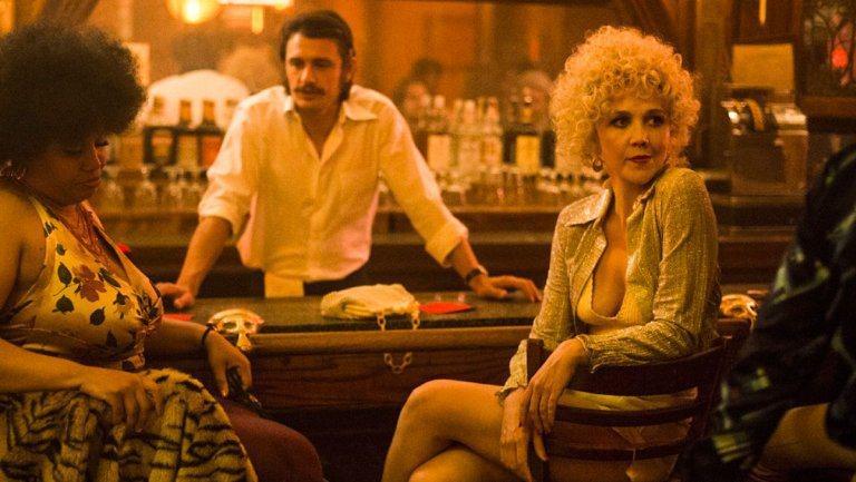 詹姆斯法蘭柯與瑪姬葛倫霍在「The Deuce」都演1970年代色情行業人士。圖...