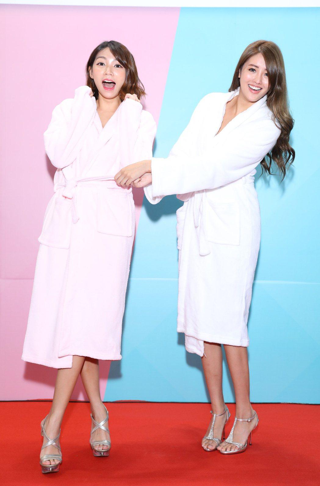 曾智希(左)和賴琳恩出席化妝品展活動。圖/伊林提供