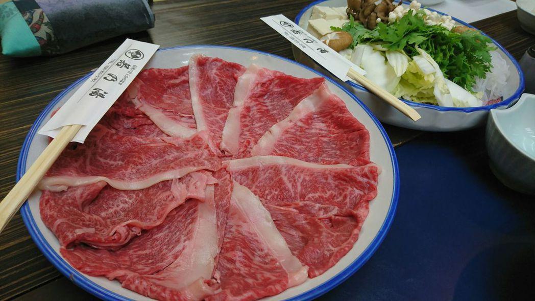 專家建議,最能品嘗和牛美味的烹調方式是壽喜燒。 東京記者蔡佩芳/攝影