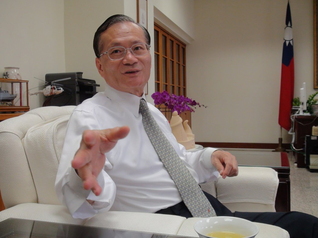 前警政署長王進旺在卸任後,歷經國安局副局長,又在海巡署擔任八年的署長。 本報資料...