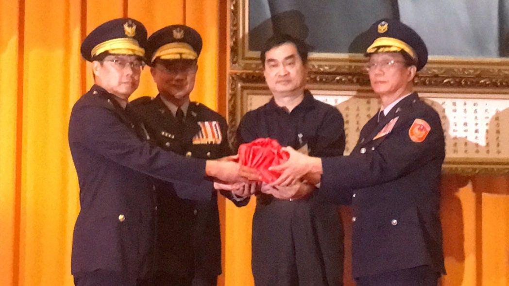 台北市警局長缺席交接典禮 基層:從來沒看過