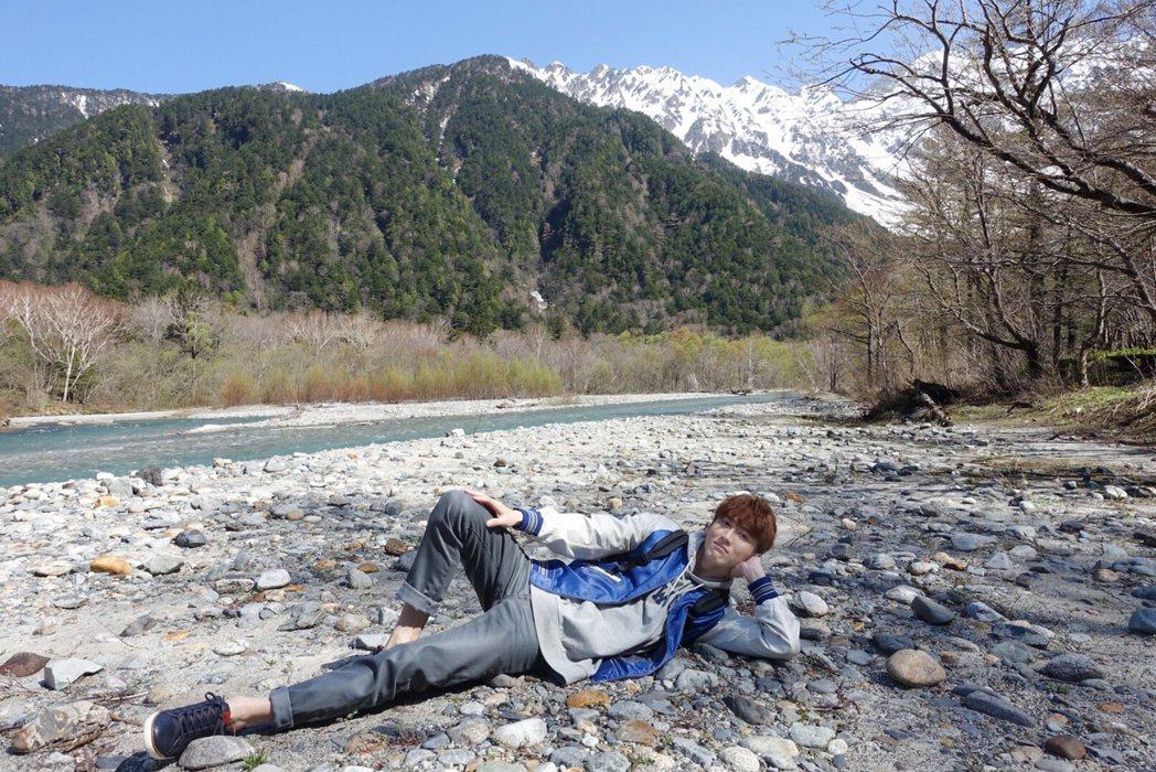 孫沁岳遠赴日本中部拍攝宣傳廣告。圖/周子娛樂提供
