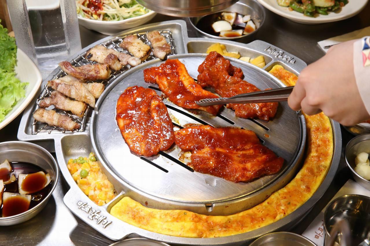 「新麻蒲海鷗」新推出「辣醬系列」號稱辣味吃起來卻一點都不辣,反而更涮嘴。圖/新麻...