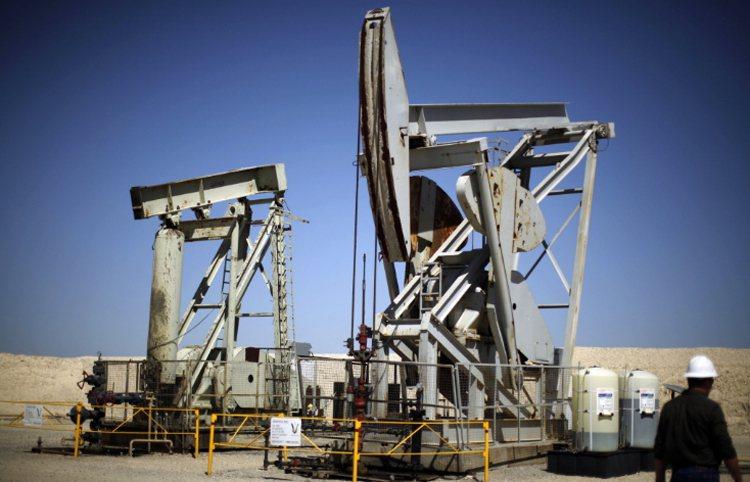 油價收復50美元大關 法人建議觀察期貨正價差幅度變化
