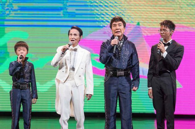 「第52屆廣播金鐘獎」於23日晚登場,由國寶歌王文夏(左2)、謝雷(右2)攜手2...