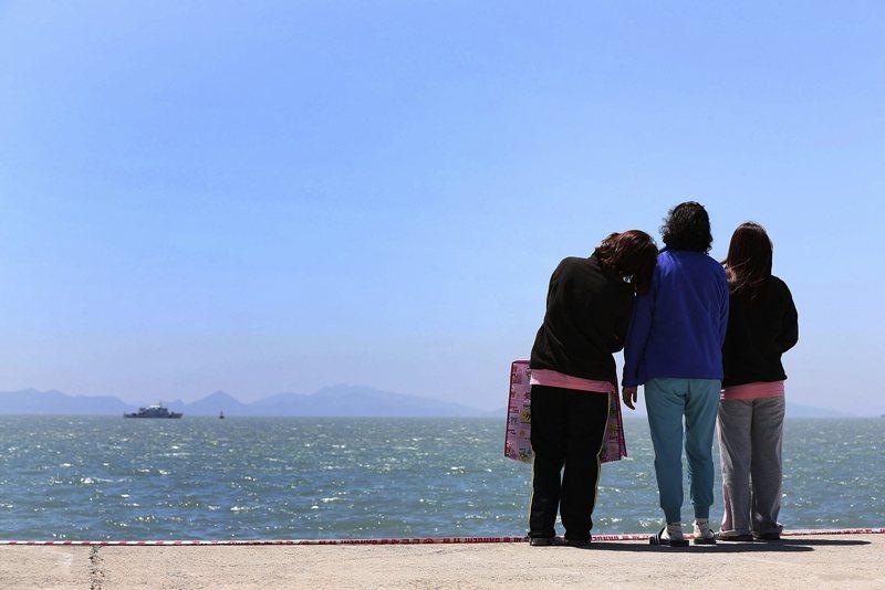 二○一四年四月十六日,這一天在韓國歷史中將永不會被遺忘。 圖/路透社