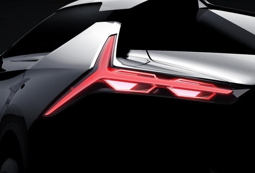 銳利十足的Y字形LED尾燈,展現此車濃厚的運動風格。 圖片來源:Mitsubishi