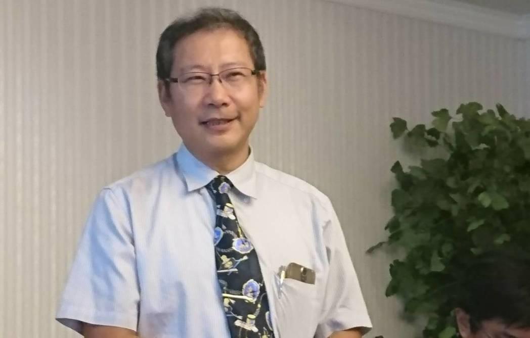 台灣私立醫療院所協會理事長朱益宏表示,一例一休實施後,醫療院所的人事成本增加,特...