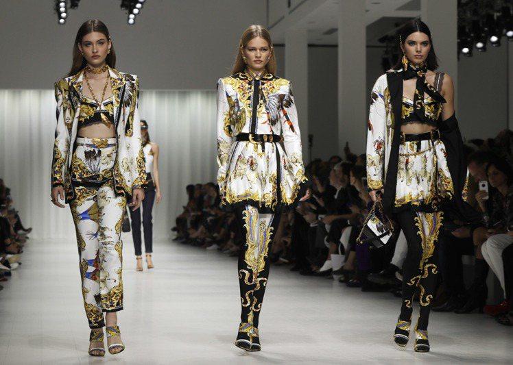 坎達爾珍娜替Versace走秀,但沒有被捕捉到現身會後派對的身影。圖/美聯社