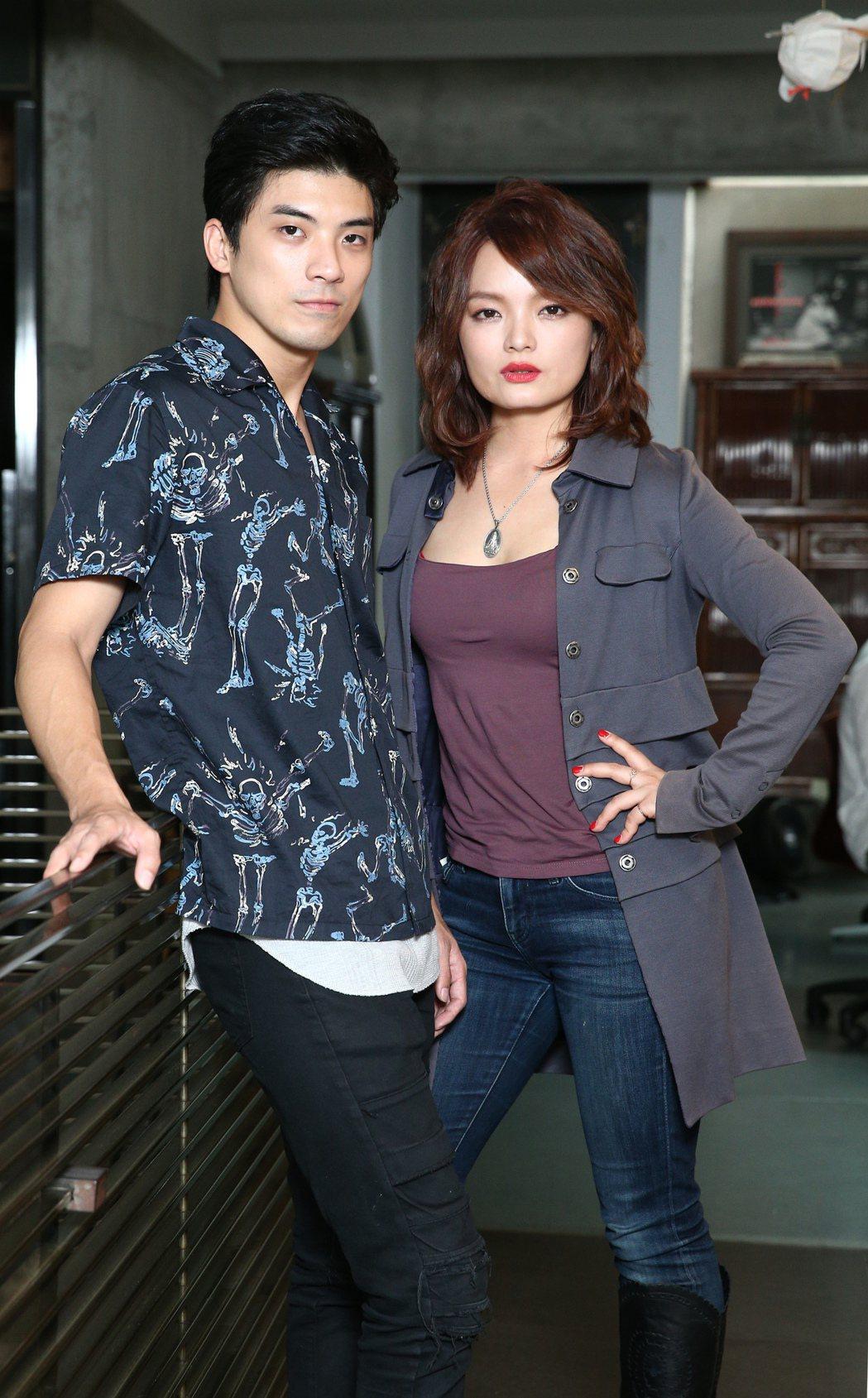 林哲熹(左)與林微弋首度演情侶,就有大膽的情節。記者蘇健忠/攝影