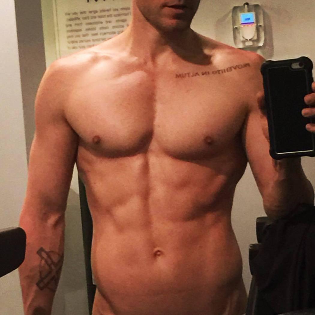 傑瑞李托自己發布大秀體格的清涼照。圖/摘自Instagram
