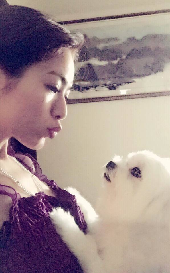 星卉突遭愛犬離世哀痛逾恆,看著過去母女情深模樣,數度哽咽。圖/摘自星卉臉書