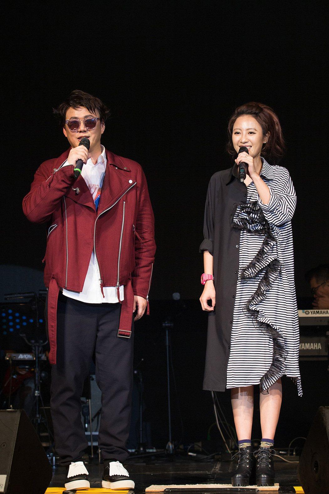 蕭煌奇22日晚舉行生日音樂會,右為方宥心。圖/星光娛樂提供