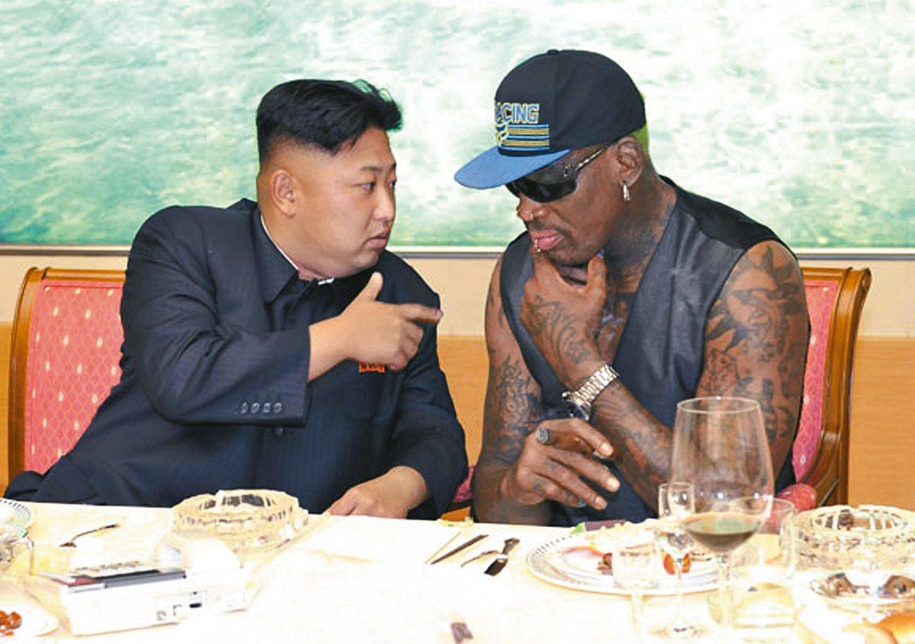 羅德曼在2013年初次以籃球外交出訪北韓,與金正恩變成好友。 美聯社