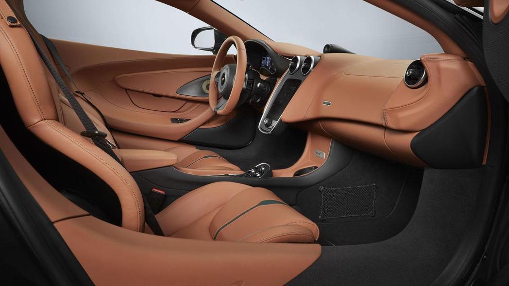 MSO 570GT XP Green內裝維持原先精緻格局。 圖片來源:McLaren