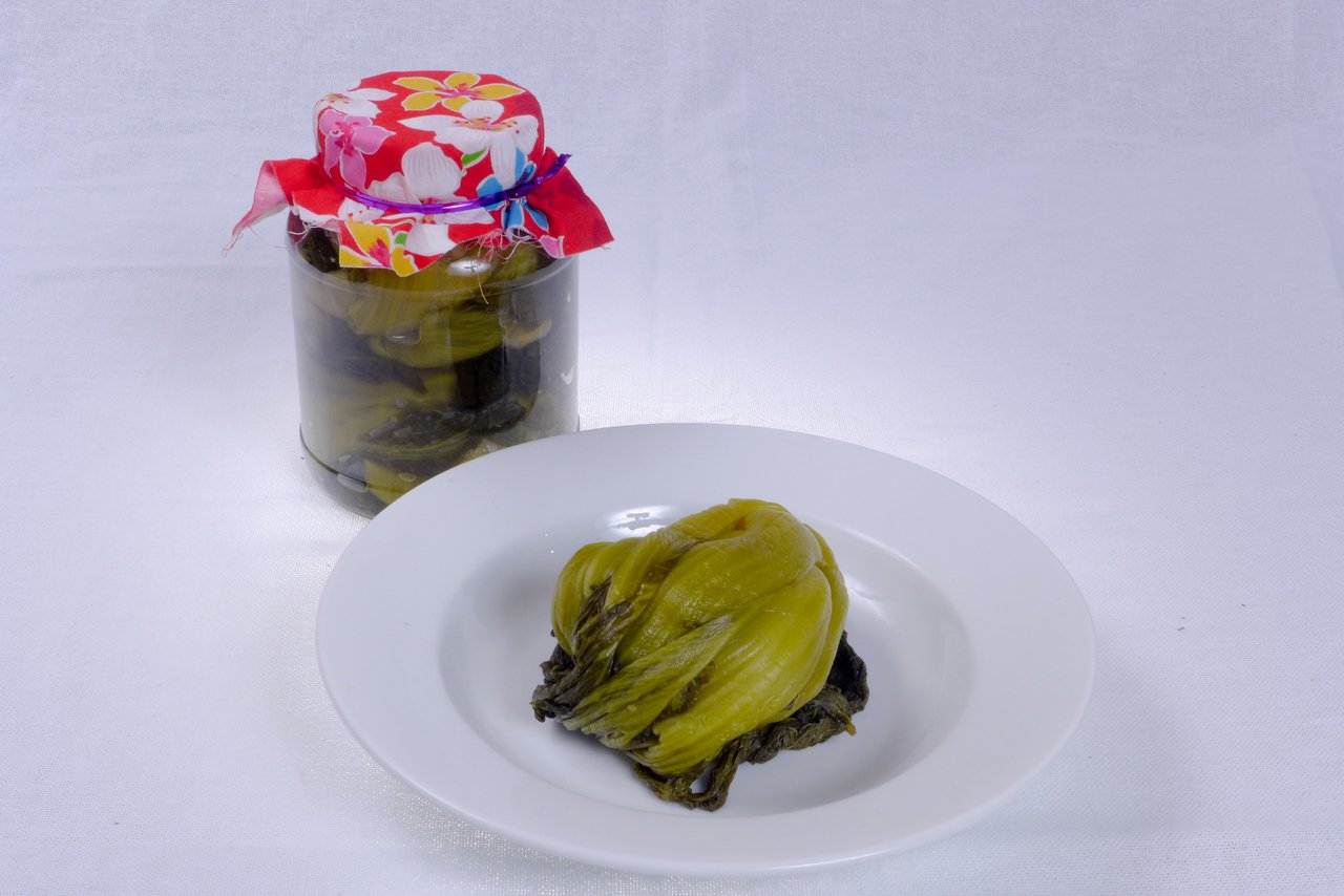 醃製好的酸菜。圖/桃園市客家事務局提供