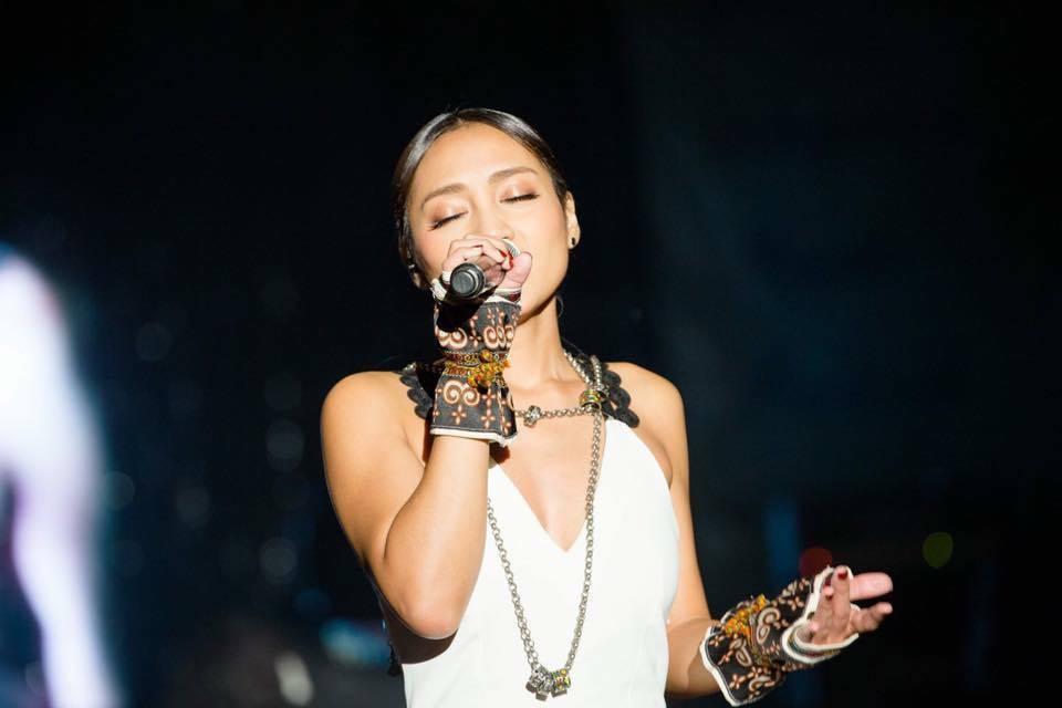 葉瑋庭曾因在「中國好聲音」中說出自己來自「中國台北屏東區」,並在演唱結束後又再提