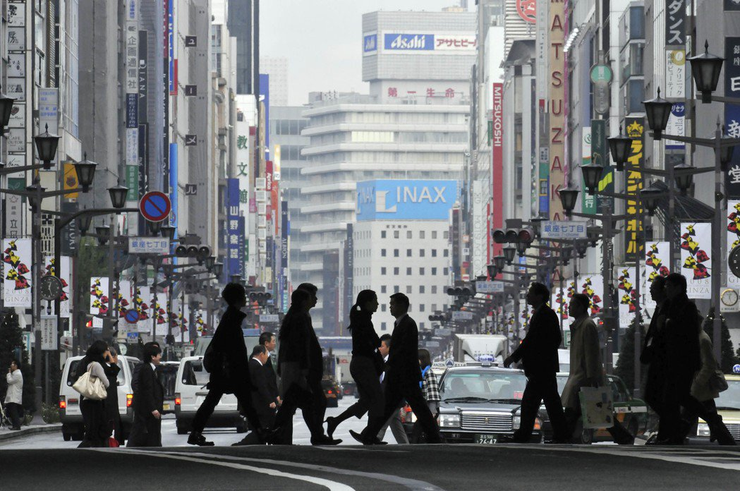 儘管日本不能算是敵國,其貿易政策卻讓美國感到敵對,更有有3/4的美國人視日本的經...