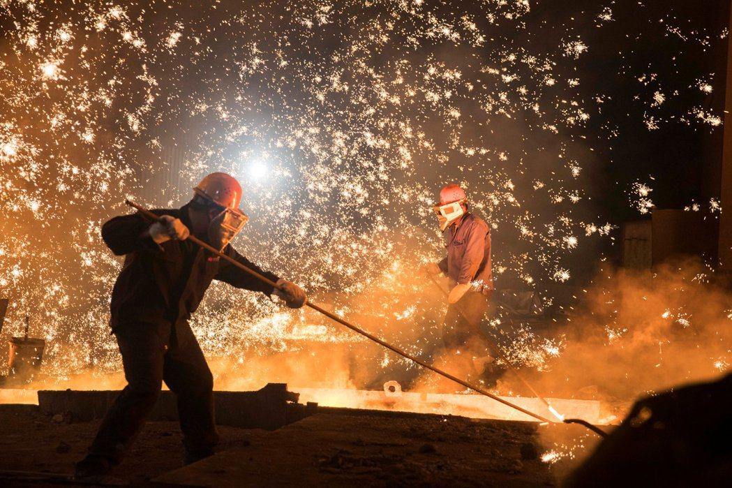 2010年歐巴馬政府接受鋼鐵業的請願,以301條款調查中國是否有補貼其綠能產業。...