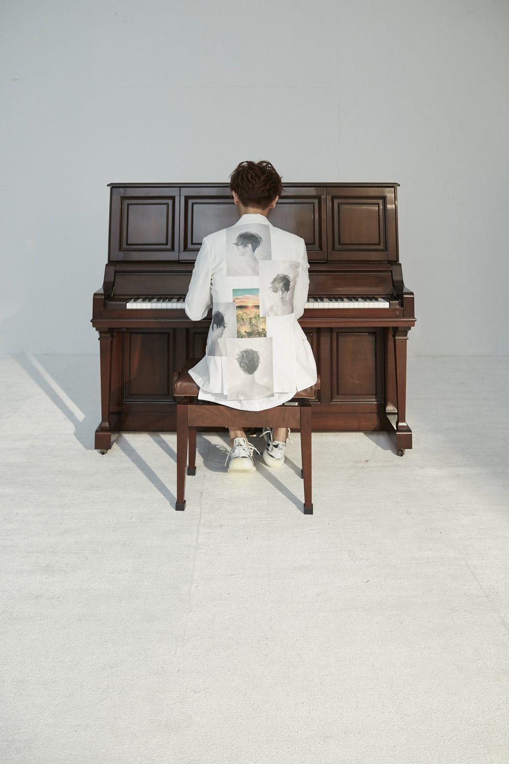 9年了,方炯鑌改名方「泂」鑌,歌壇再出發。圖/海蝶提供