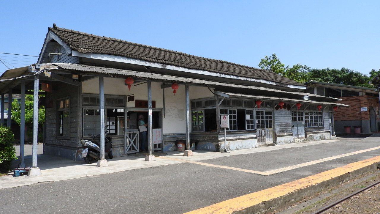 百年歷史的蒜頭車站維持了過去舊有車站原貌。記者魏妤庭/攝影