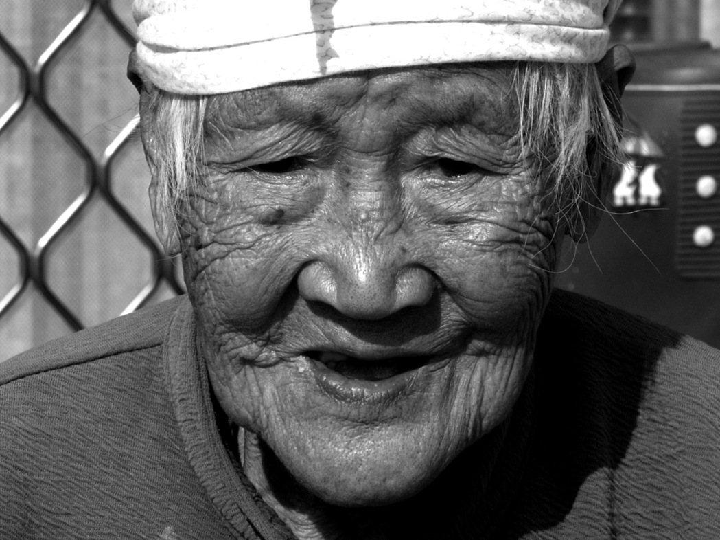 依世衛組織資料顯示,全球每3至4秒就出現一個失智患者,在台灣,65歲以上長者失智...