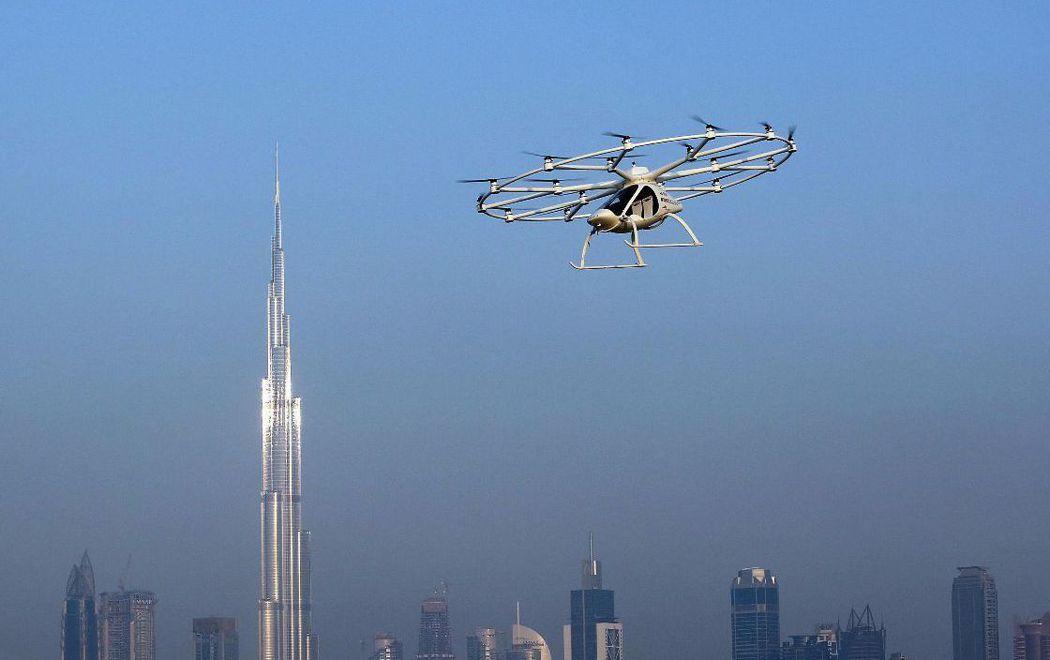 空中計程車飛到200公尺高。 路透