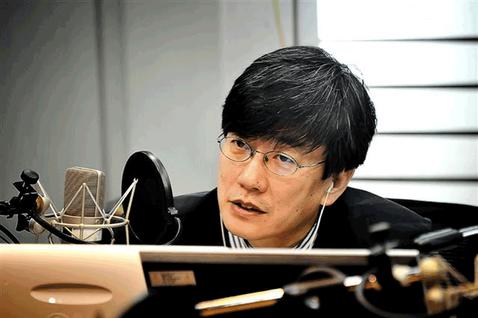 MBC出身的王牌主播孫石熙,在朴槿惠上任之初,宣布辭去主持人位置,跳槽到JTBC...
