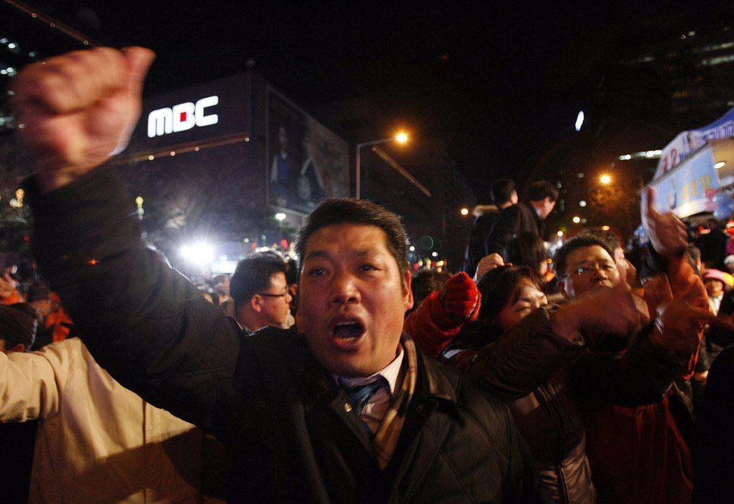 因MBC和KBS罷工而抖出的媒體醜聞,如雪球越滾越大... 圖/路透社