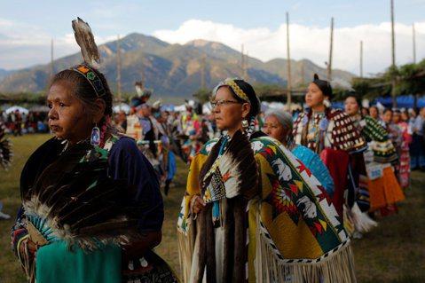 到底是誰的土地誰的城市呢?Fiesta嘉年華是在回憶誰的歷史?  圖/路透社