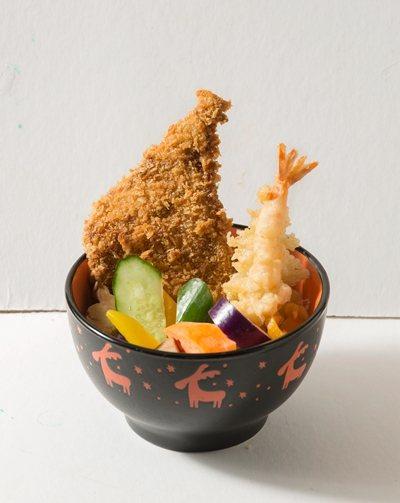 斧排炸蝦老滷 飯160元/中一排骨推出的招牌套餐,包含斧排、炸蝦與各式蔬菜,再搭...