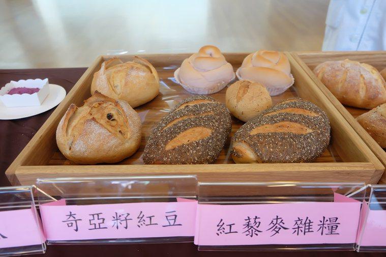 雜糧麵包。記者張芮瑜/攝影