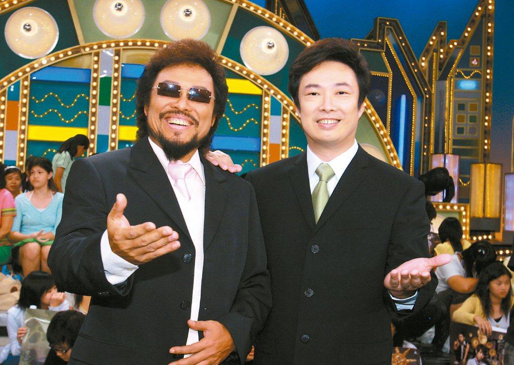 提到弟弟費玉清(右)的聲明,張菲認同藝人沒有人前悲觀的權利。圖/聯合報系資料照