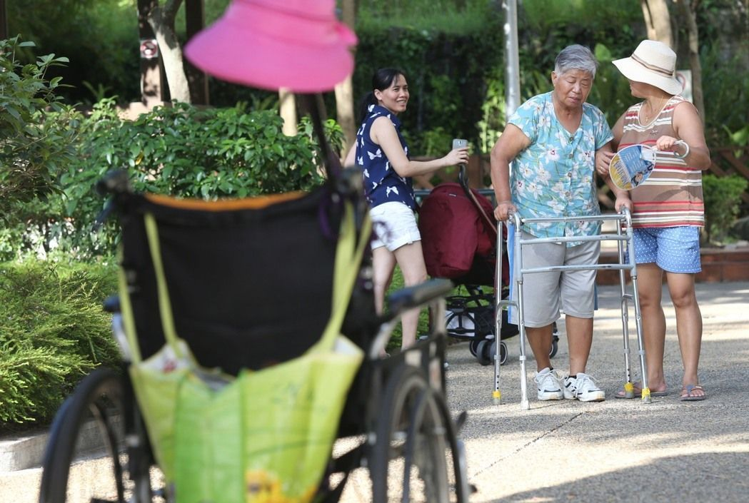 一名高齡90多歲的新北市民老伯伯認為政府提供的「居家服務」太陽春,期待政府體卹民...