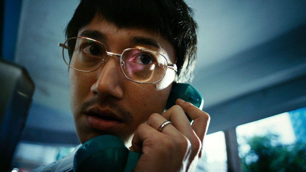 吳慷仁在「望月」中飾演心智障礙的失業男子。圖/大愛提供