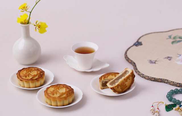 帶有文化味道的中秋月餅,有五仁、棗泥、豆沙、山楂、玫瑰、蓮蓉六種口味。 圖/取自...