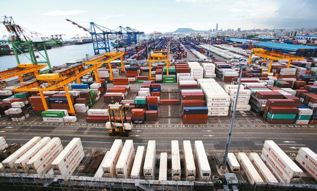 根據全球競爭力報告,台灣以航空運輸、電力供應等基礎建設供應品質退步最顯著。 報系...