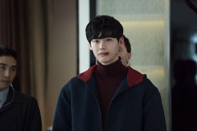 李鍾碩在《V.I.P.》飾演冷血殺人犯。圖/車庫娛樂提供